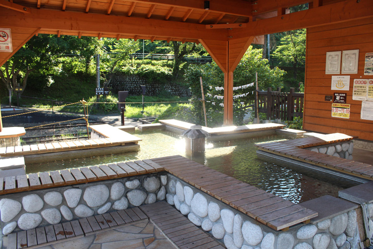 湯野上温泉駅の足湯
