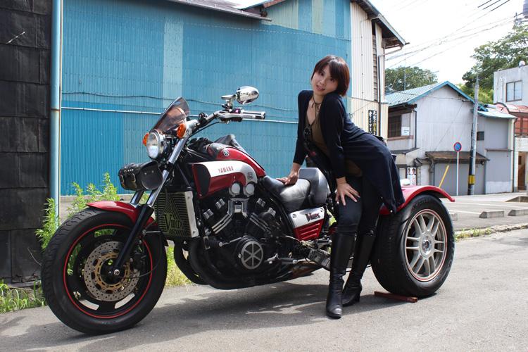 ヤマハV-MAX 1,200ccトライク