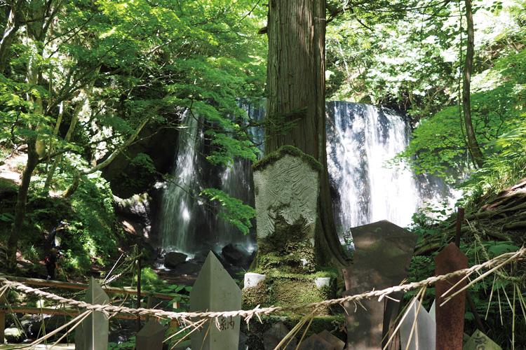 達沢不動滝(たつさわふどうたき)